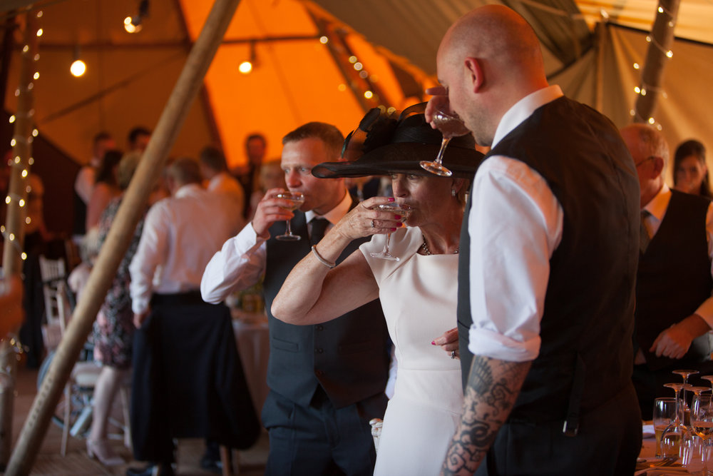 PICTORIAL_BERWICK_wedding_bamburgh_castle_tipi_farm_rodgersons_-2216.jpg