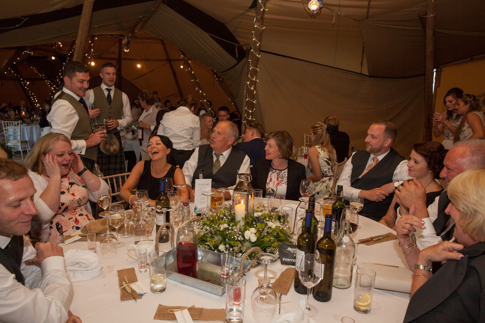 PICTORIAL_BERWICK_wedding_bamburgh_castle_tipi_farm_rodgersons_-5502.jpg