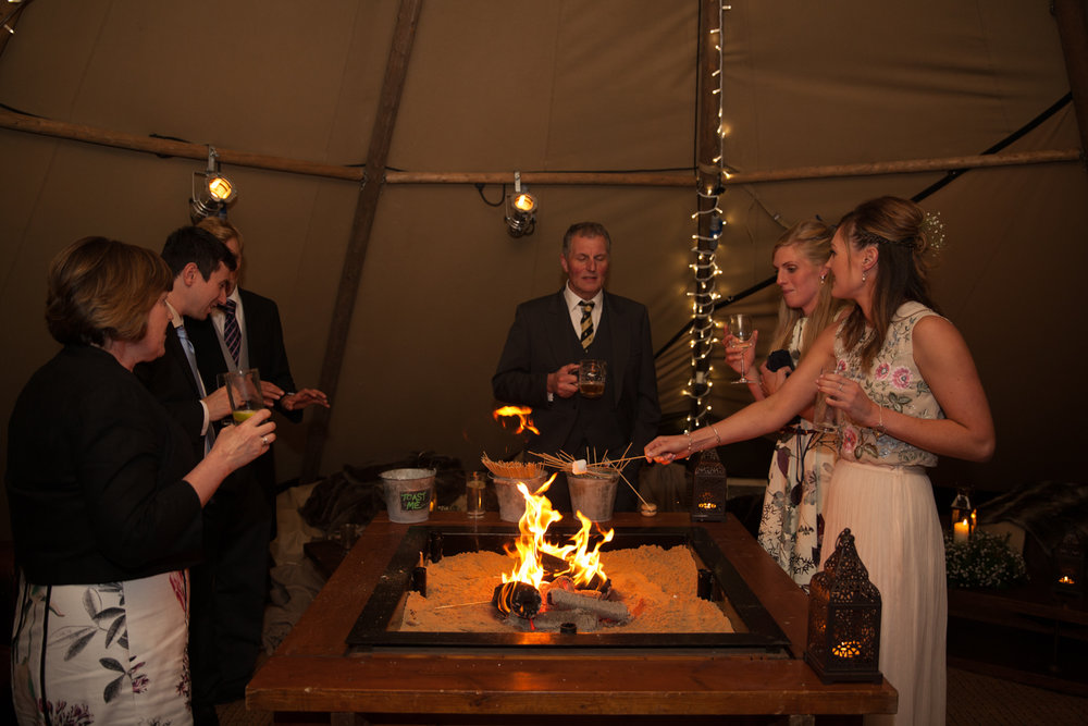 PICTORIAL_BERWICK_wedding_bamburgh_castle_tipi_farm_rodgersons_-5712.jpg