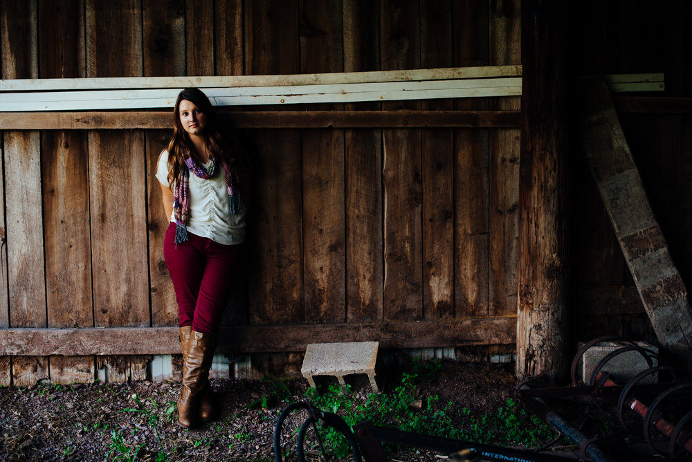 Girls Senior Photography Barn