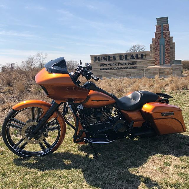 Spring is almost here and another one out the door with this 2015 Amber Whiskey RoadGlide #americansuspension #arlenness #baddad #fullthrottlecyclesnyc #thundercycledesigns #26inchwheel  #dirtybirdconcepts #roadglide #harleydavidson #hawghaltersinc #harleydavidsonroadglide