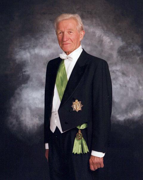 Tidligere Stormester, Halvor Holtestaul, med Storkors av Hestehoven.
