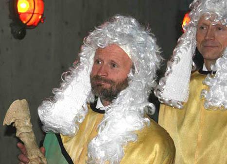 (fotograf Øyvind Tappel) De hovne Embetsmenn; Cantzler StHH Håvard Steinsholt og Ceremonimester StHH Hans Fredrik Mørk.