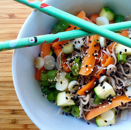 adzuki bean noodle salad with veggies + spicy sesame vinaigrette