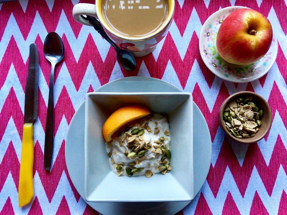 Breakfast beauty: Yogurt / seeds / fruit
