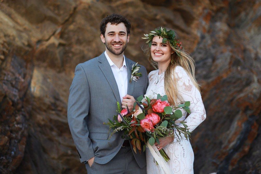 willow&plum-elopement-flowers.jpg