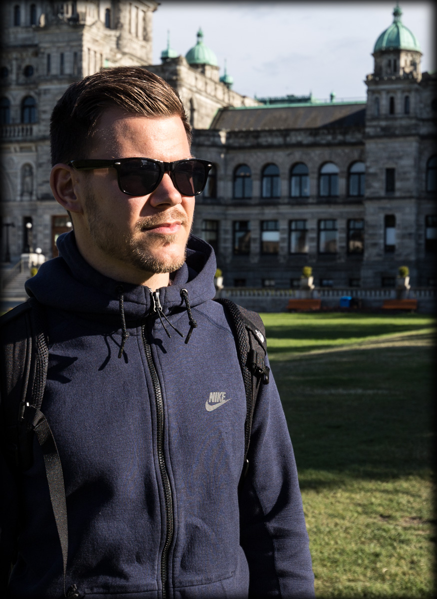 Lukas Petereit | Travel Photographer | Landscape - City & Architecture - Portrait Photography - Vancouver - Island - Victoria - City - Trip - Sunglasses - Photo