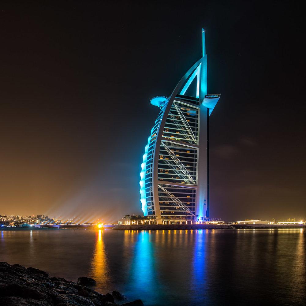 Nightsession next to Jumeirah Beach: Burj al Arab