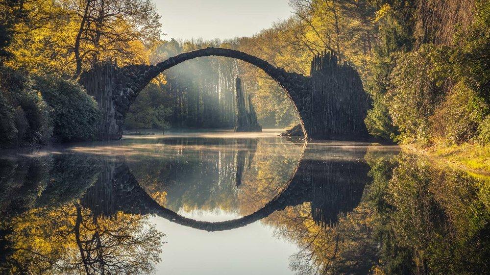 Landscape Photography in East Germany -Sunrise behind the Rakotz Bridge