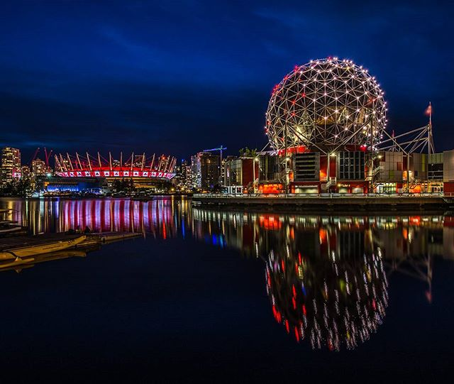 My favorite city in the world: Vancouver! I never met so many open minded and international people at any other place in the world! 🇨🇦🇨🇦🇨🇦 #bcstadium #vancouver #bluehour #night #reflection #britishcolumbia #nighttime #canada #travel #scienceworld #falsecreek #photography #natgeoyourshot #natgeo #fstoppers #viewbugfeature #explorebc #visitcanada #explore #bccanada #explorecanada #canada #bc #travelgoals #travelphotographer