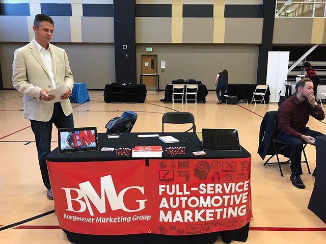 Do you ❤️🚗s & 📈? Then you're the perfect candidate for #TeamBMG! Stop by our booth at the Lindenwood Lions Career Fair to say hello! 👋🏻