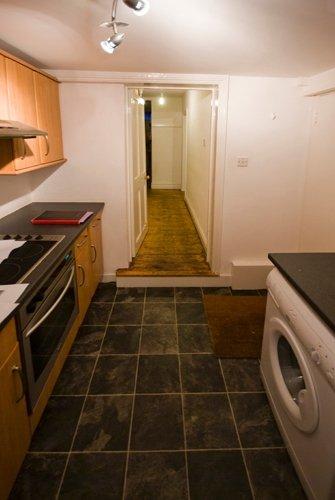 kitchen before.jpg