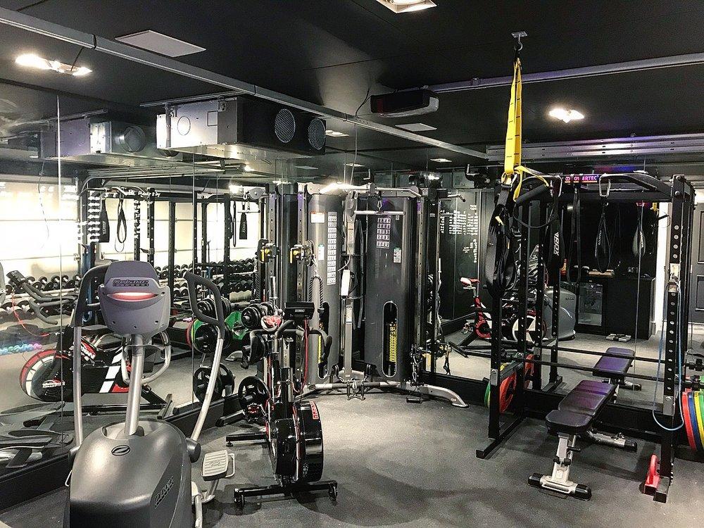 garage converted into A home gym - wokingham