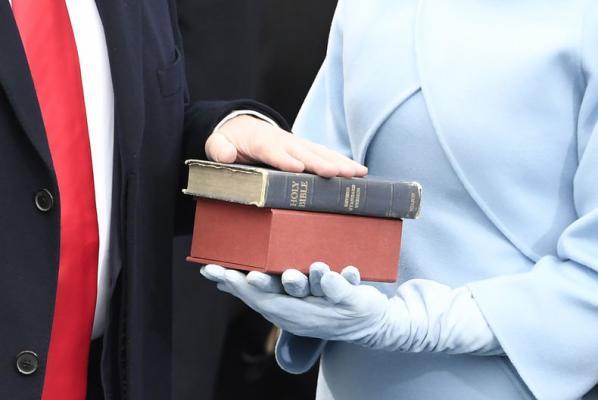 Trump-bible.jpg