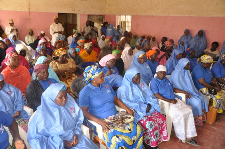 In the village of Kaltungo, in Gombe State, Ruth Abner, a Christian, and Zuwaira Alhassan, a Muslim,organized Muslim and Christian women to pair up and do 1 on 1 relationship building. During my visit in March, 11 pairs of Muslim and Christian women gathered. This October, 120 women representing 5 IPTs gathered ready to get to work. The blue T-shirts and veils with OMNIA insignia were created by these women!