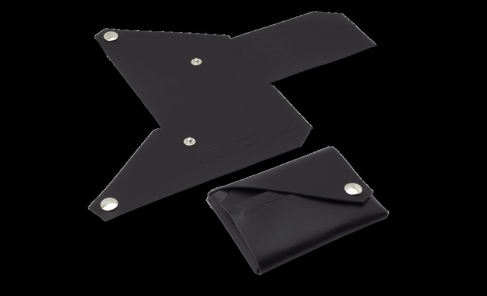wallet lemur design