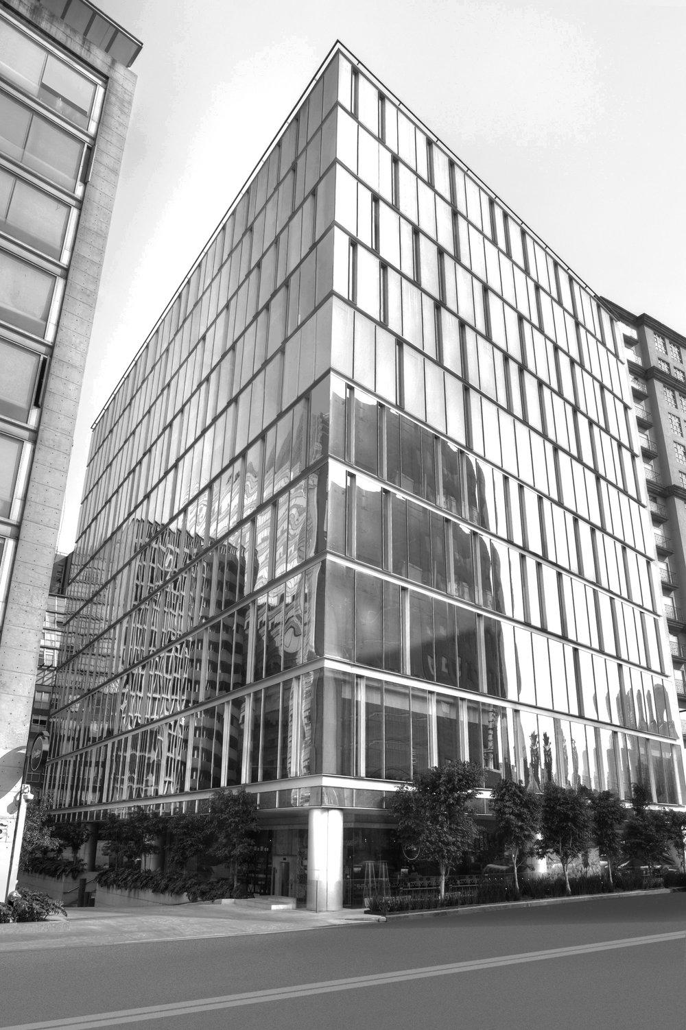 Lomas Cantabria | Lomas de Chapultepec PROYECTO Renta de Oficinas en el corredor más importante de Lomas de Chapultepec en edificio inteligente y sustentable de 10 niveles, área comercial y 8 sótanos de estacionamiento. En proceso de certificación Leed. SERVICIOS Oficinas y Restaurantes