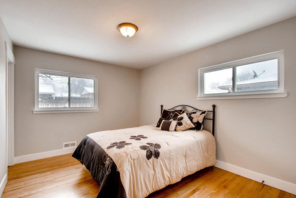 10751 W 69th Ave Arvada CO-print-005-33-Master Bedroom-2700x1800-300dpi.jpg