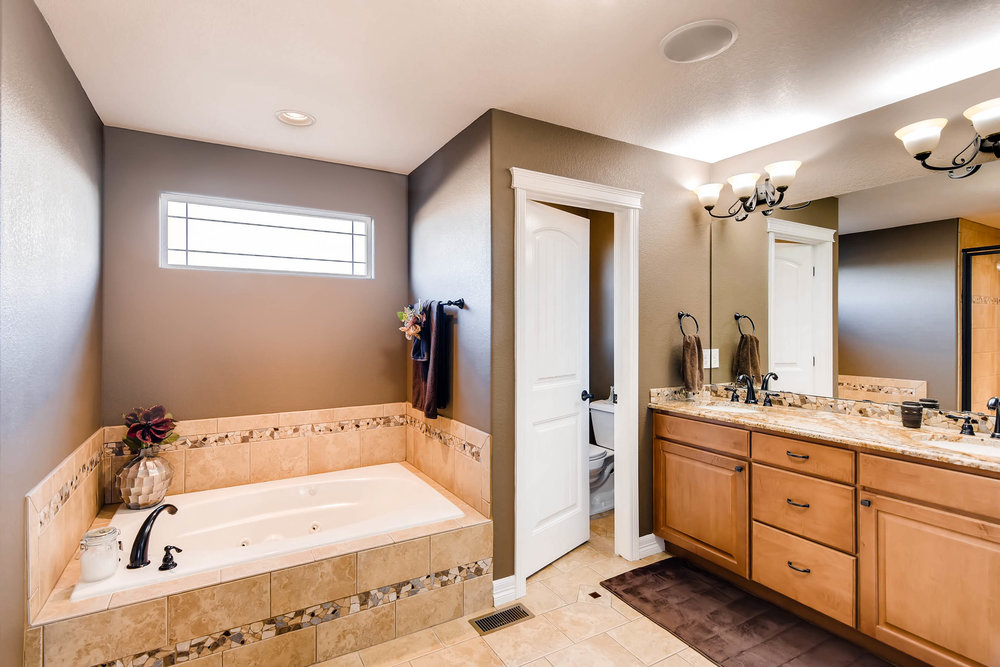 8139 Vivian St Arvada CO 80005-print-014-14-2nd Floor Master Bathroom-2700x1801-300dpi.jpg