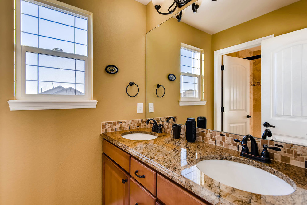 8139 Vivian St Arvada CO 80005-print-016-12-2nd Floor Bathroom-2700x1802-300dpi.jpg
