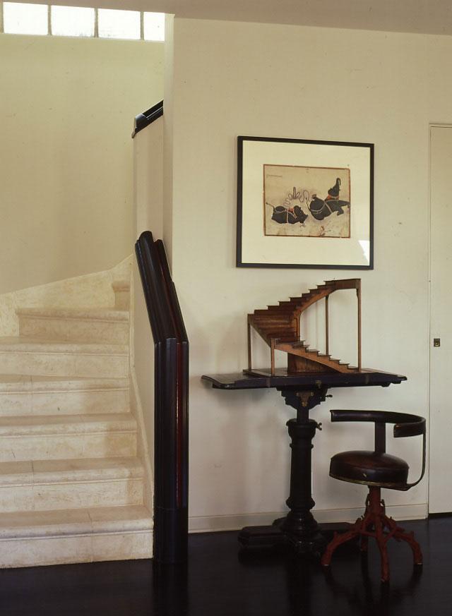03-CRUZ-Stairs.jpg