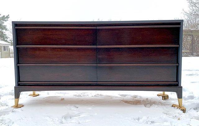 MCM•dark stained drawers•wrapped in gray•gold accent feet. #mcm #paintedfurniture #vintagefurniture #fleamarketfinds #refinishedfurniture #furnituremakeover