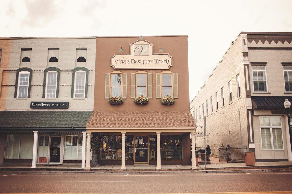 Vicki's Designer Touch - 401 S Lindell StMartin, Tennessee