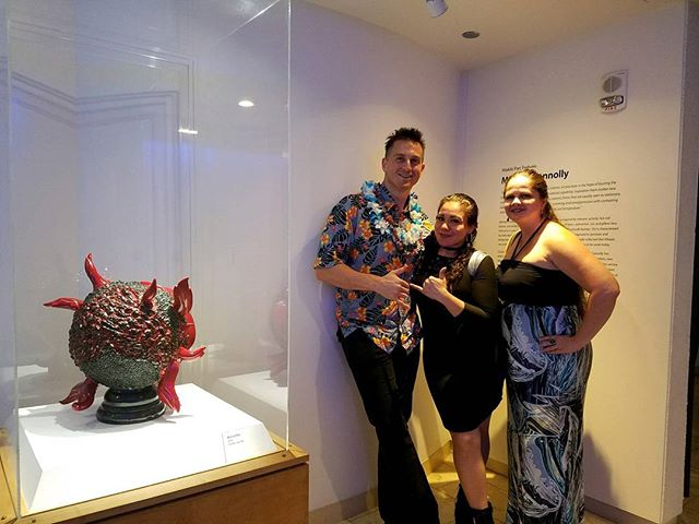 Opening reception went well! Photo with my sister and her bff, don't mind the lighting lol my sister doesn't look like that  #waikikiparc #waikiki #paradise #honolulu #hawaii #art #ceramic #clayworks #artgallery #gallery #exhibition #igart #pottery #fineart #sculpture #fineartsculpture #art #michaelconnollyart #artist #artwork #igdaily #instagood #instadaily #ig #hotel #rich #money