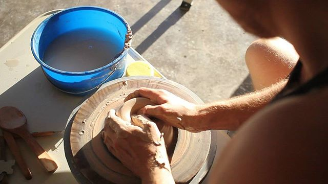 Wheel throwing is a beautiful practice, but that lighting though! Such a nice day in Hawaii  #ceramics #clayworks #gallery #exhibition #pottery #fineart #sculpture #fineartsculpture #art #wheelthrown #wheelthrowing #potterywheel #ceramic #clayslip #igdaily #michaelconnollyart #model #clay #instagood #instadaily
