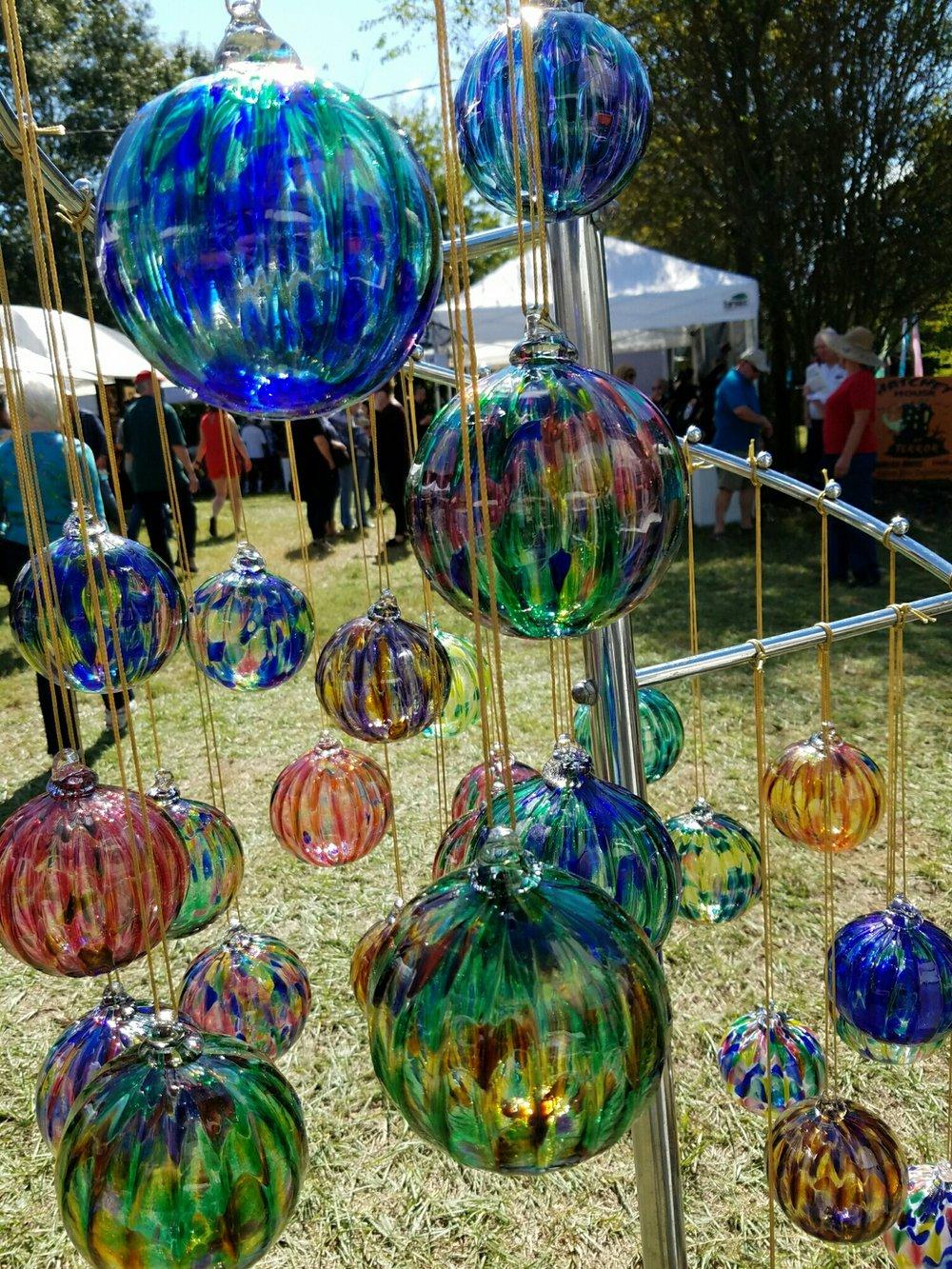 Lisa & Cecil McKenzie glasswork