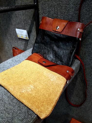 Leslie Ravey Handbags