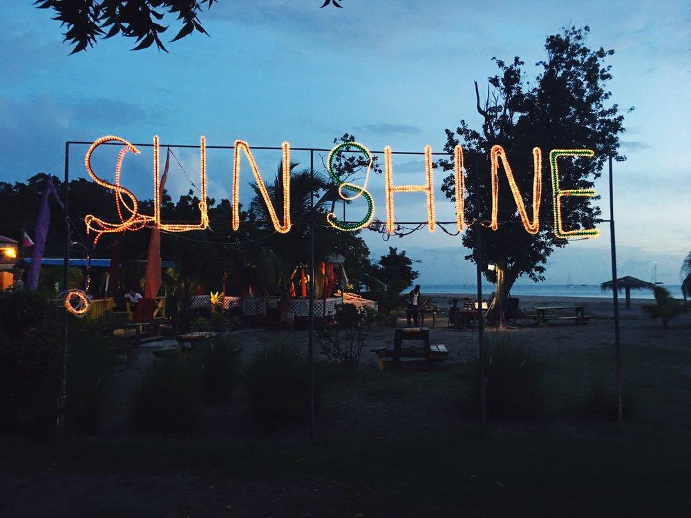 Sunshine / Nevis