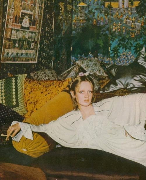 Twiggy by Justin De Villeneuve for UK Vogue, 1973