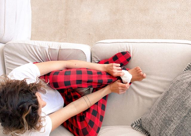 Feet in or feet out. #getcozy however you want #feejays