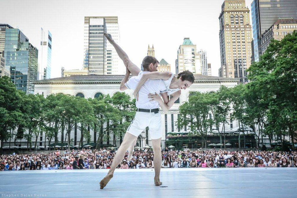 Wallpaper Choreography / Mike Esperanza Photo / Stephen Delas Heras Bryant Park, NY