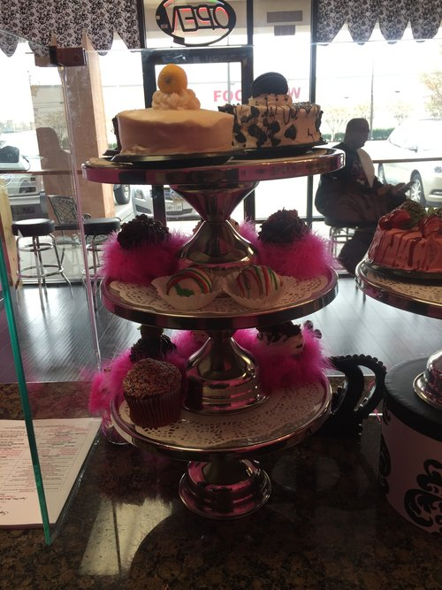 Sugar Rush Too Cake Gallery Is A Bakery That Specializes In Homemade Cakes Pies Cobblers Cookies And Tea We Also Take Great Pride Our Custom