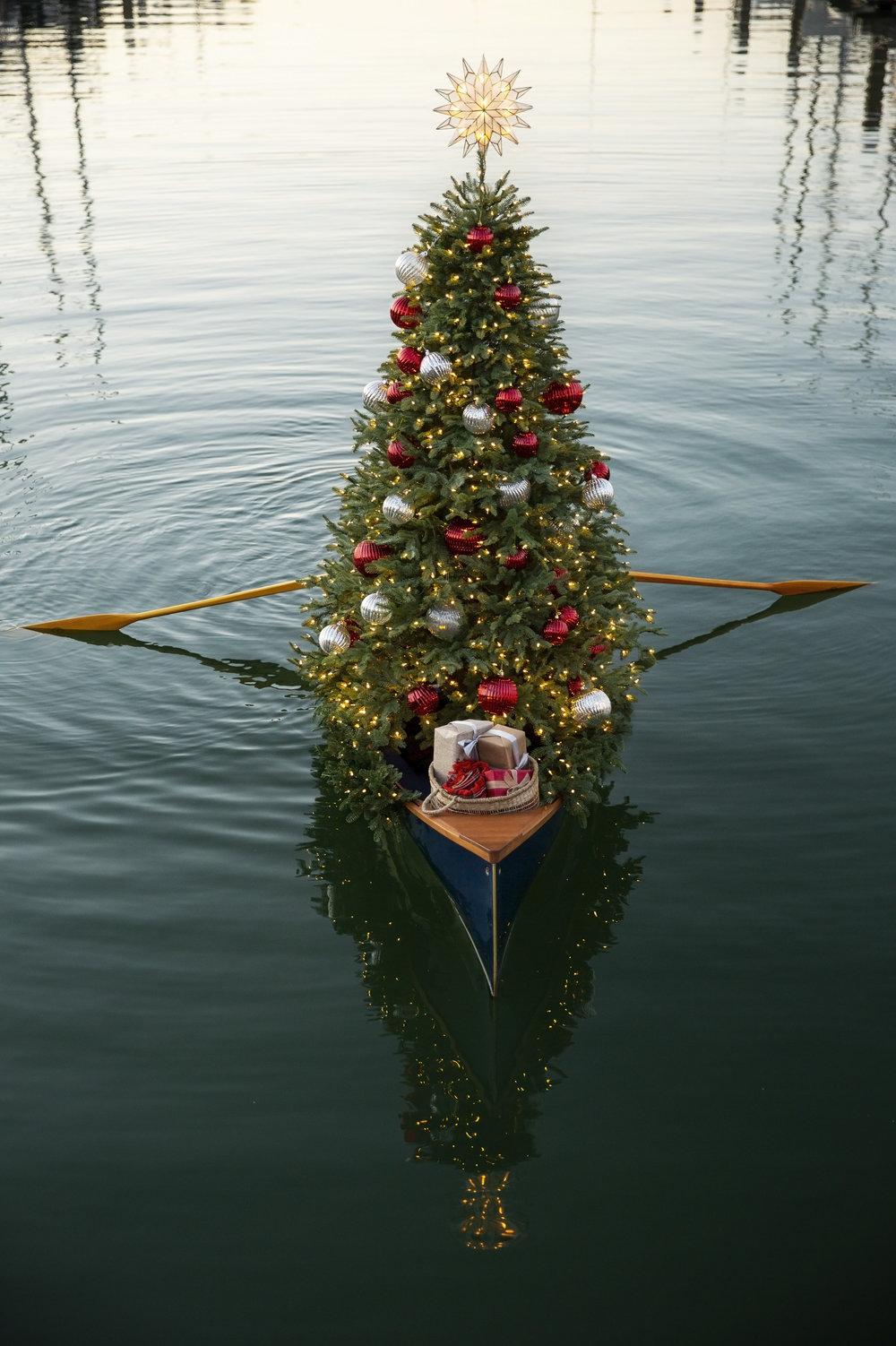 Christmas-in-July_Tree-in-Boat-90.jpg