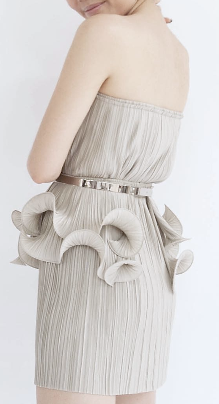 CURL BELT worn with PLATE BELT and PLEAT SKIRT 20""