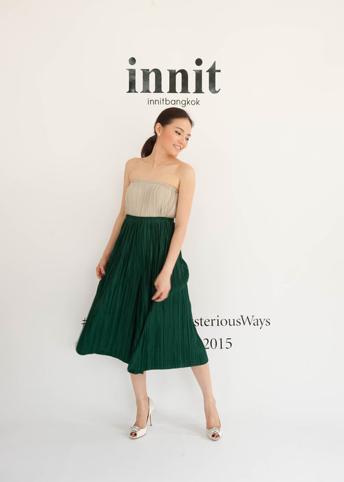 Pleat Pants   Pleat Skirt  (worn as top)