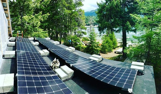 Couldn't ask for a nicer spot to be working on this off grid solar system on Horne Lake ☀️🐶 . . . . #solar #offgrid #renewableenergy #hightideenergy #vancouverisland #bristishcolumbia #electrician