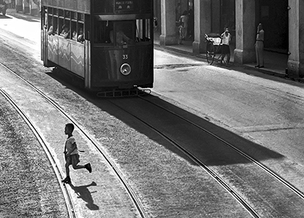 © Fan Ho, Escape, Hong Kong