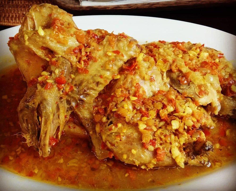Ayam_Betutu_Bali.jpg