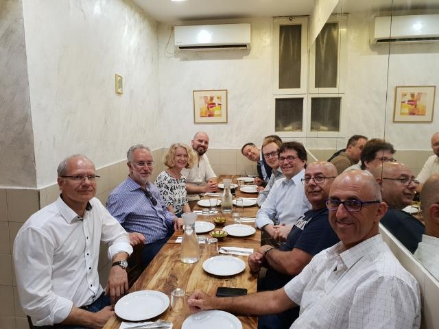 Abendessen im Mahane Yehuda Markt (Shuk) von Jerusalem