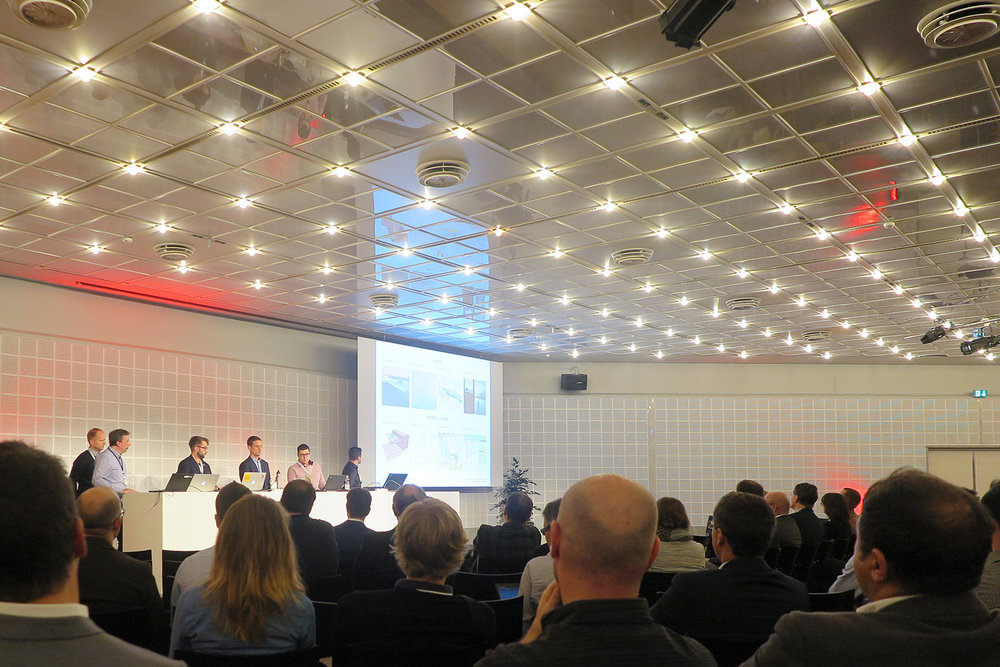 Voller Zuhörersaal bei der Session «Best Practice Live» – Schweizer Pavillon EXPO 2020 in Dubai