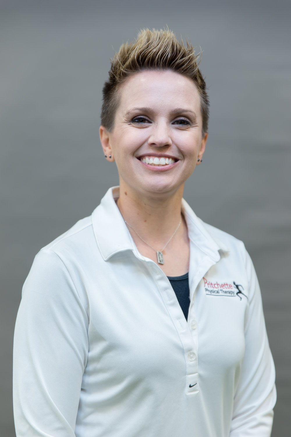 sarah-thompson_director-of-aquatic-physical-therapy.jpg
