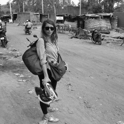 Isabelle Mayault Journaliste et auteure. Isabelle Mayault vit entre Istanbul et Paris. En 2009, elle part au Liban apprendre l'arabe. Depuis Beyrouth, elle commence à piger pour Médiapart, puis fonde le site Mashallah News. Après des détours par Alger et Istanbul, elle s'installe au Caire en 2012,où elle collabore avec de nombreux titres de la presse française (Le Figaro, La Croix, La Tribune, ELLE). Elle s'essaie aussi à la radio, àla télé, et à l'édition avec Uncommon Guidebooks. En 2015, elle publie son premier livre, Jours Tranquilles au Caire. Toujours en 2015, elle s'installe au Burkina Faso pour un an. De Ouagadougou, elle opère une transition vers le journalisme narratif, hors actu, et d'investigation. Isabelle écrit en anglais (The Guardian, Brownbook magazine, ONE Africa, Roads and Kingdoms) et en français (L'Obs, Le Crieur, Sept.info, Socialter). isabelle.mayault(@)gmail.com