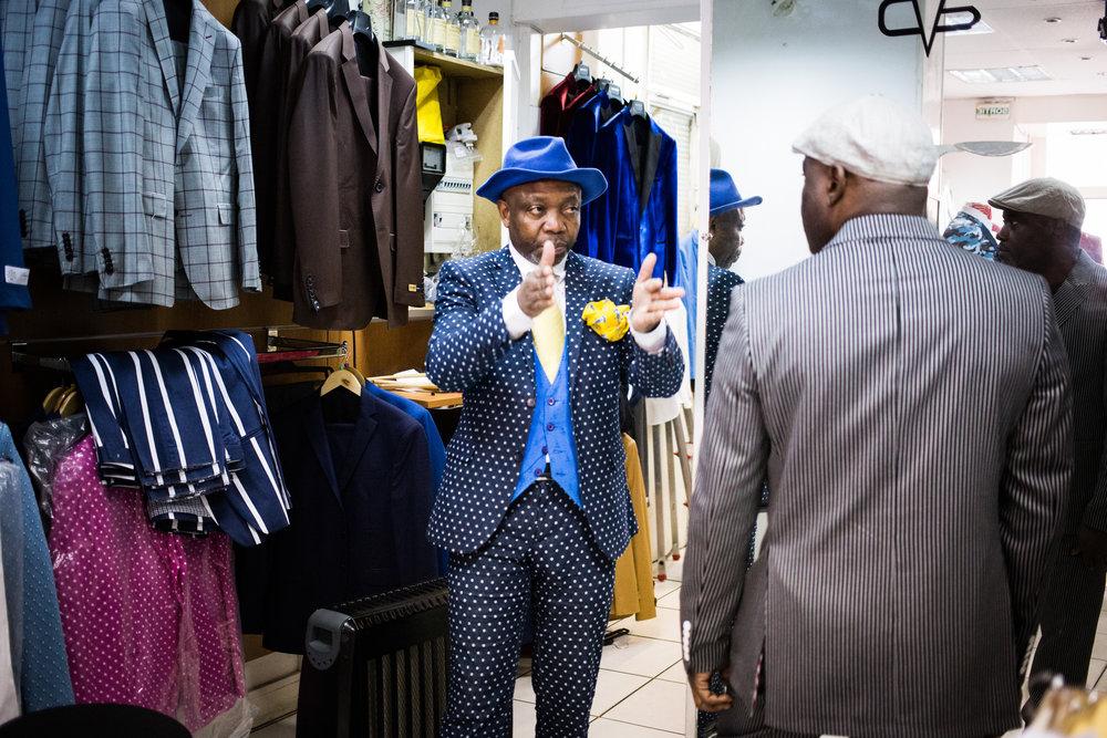 Jocelyn Armel dans sa boutique rue de Panama. © Camille Millerand