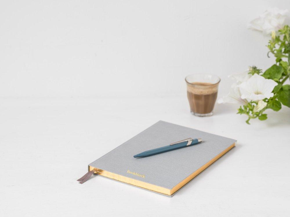 bookblock-363195.jpg