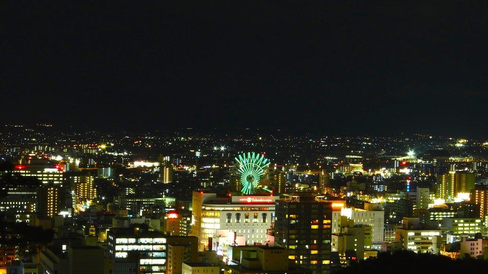 松山城より、松山の夜景。