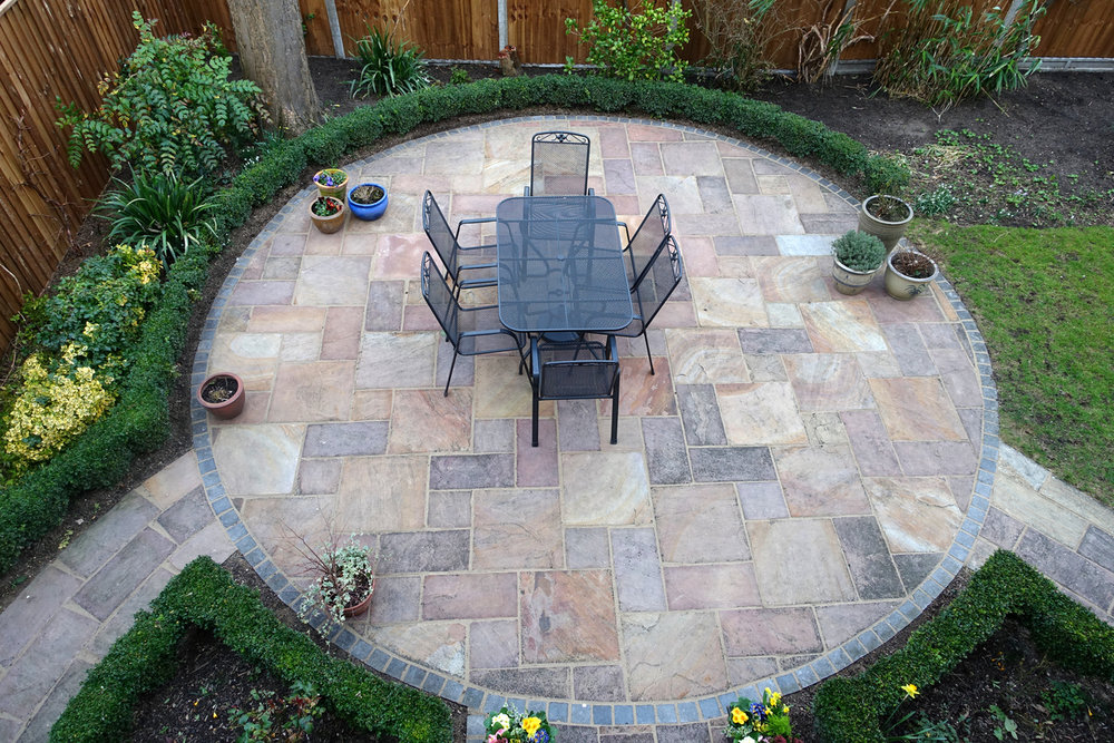 Using Flagstone in Dana Point Landscape Construction